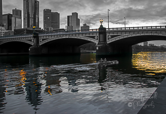 melbourne-dawn-3_B&W