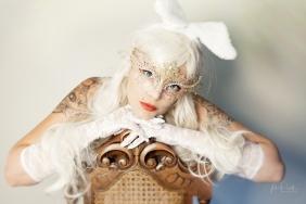 Powell-Julie_Jess_White Rabbit-10