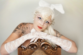 Powell-Julie_Jess_White Rabbit-12