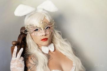 Powell-Julie_Jess_White Rabbit-9