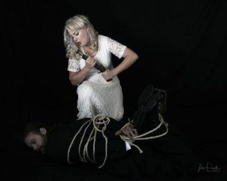 JuliePowell_Damsel in Distress-14