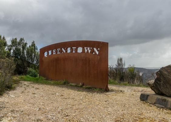 JuliePowell_Queenstown-19