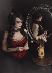 JuliePowell_DarkRomance