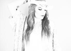 JuliePowell_Jess B&W-6