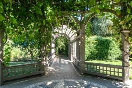 JuliePowell_Hamilton Gardens-35