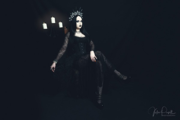 Julie Powell_Goth-